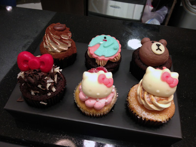 キティちゃんカップケーキ