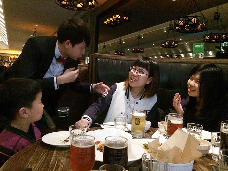 台湾ビール,クラフトビール,金色三麦,ハニーラガー,龍眼蜂蜜,レストラン,ビアホール