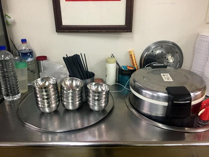 台湾電気社員食堂,酸菜白肉火鍋,酸っぱ鍋,おすすめ,台電勵進,台北,古亭