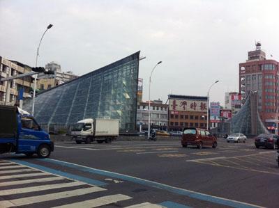 高雄,新幹線,高鐵,西子湾,婆婆冰,85大樓,愛河